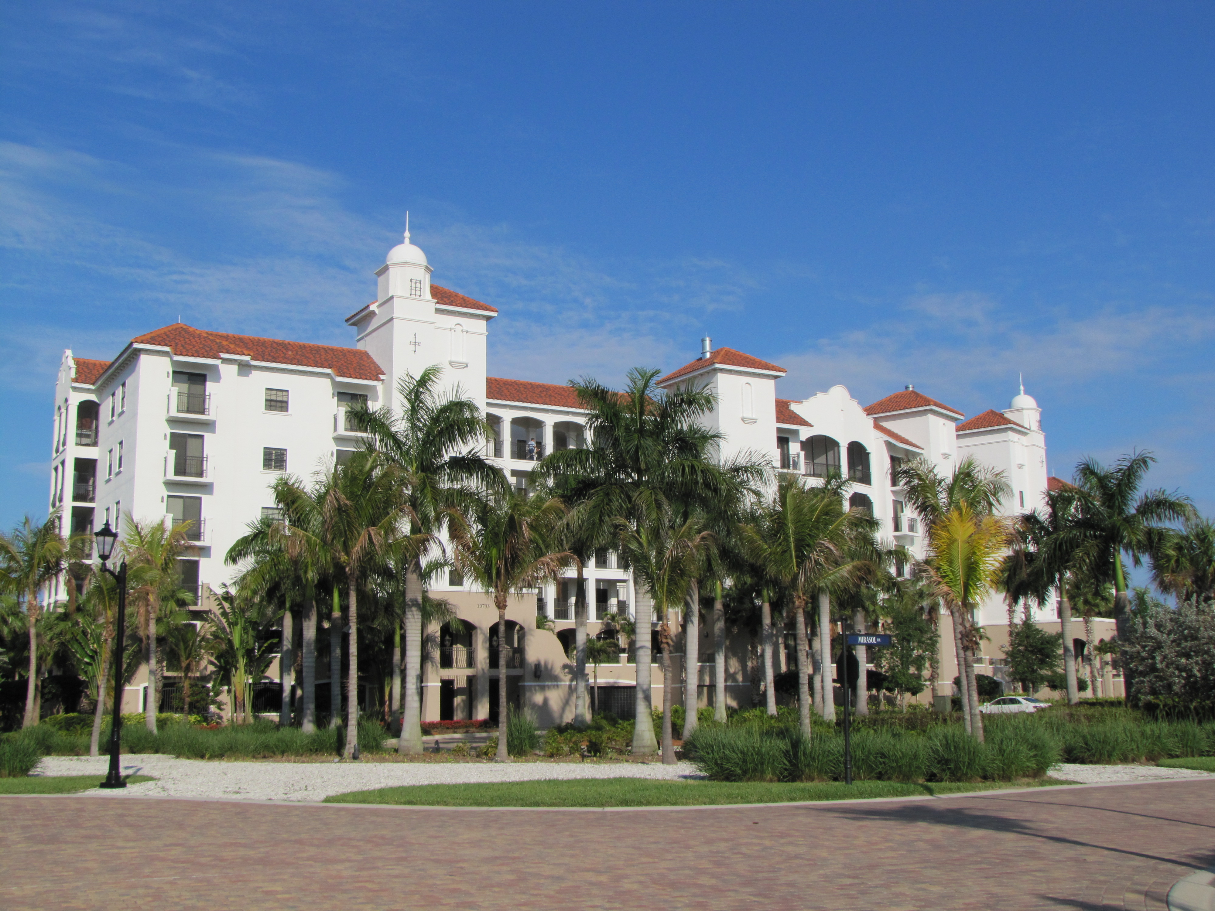 Naples Condos and Condominums For Sale On The Naples MLS